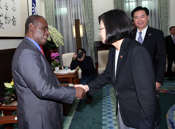 President Tsai welcomes Solomon Islands' Foreign Minister Jeremiah Manele to Presidential Office in Taipei, Sept. 9