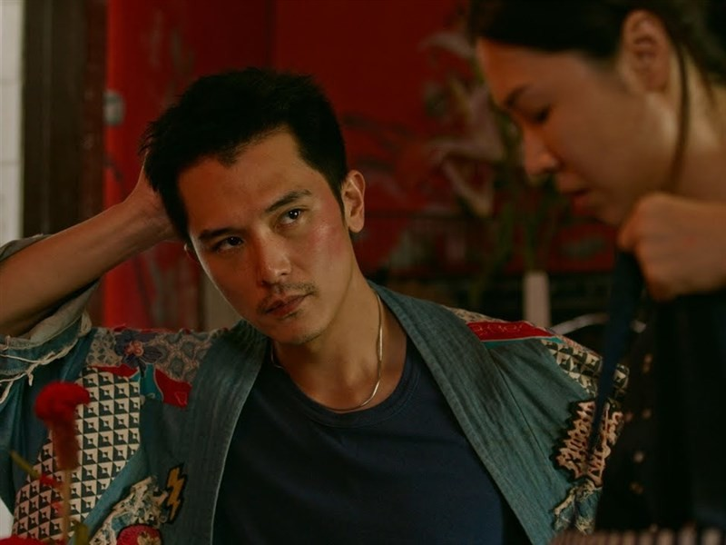 Roy Chiu (left) and Hsieh Ying-hsuan in 'Dear Ex' (trailer screenshot from Warner Brothers Taiwan's YouTube channel).