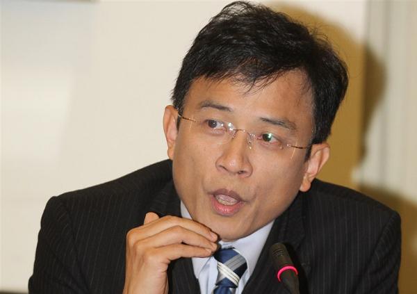 Dennis Peng.