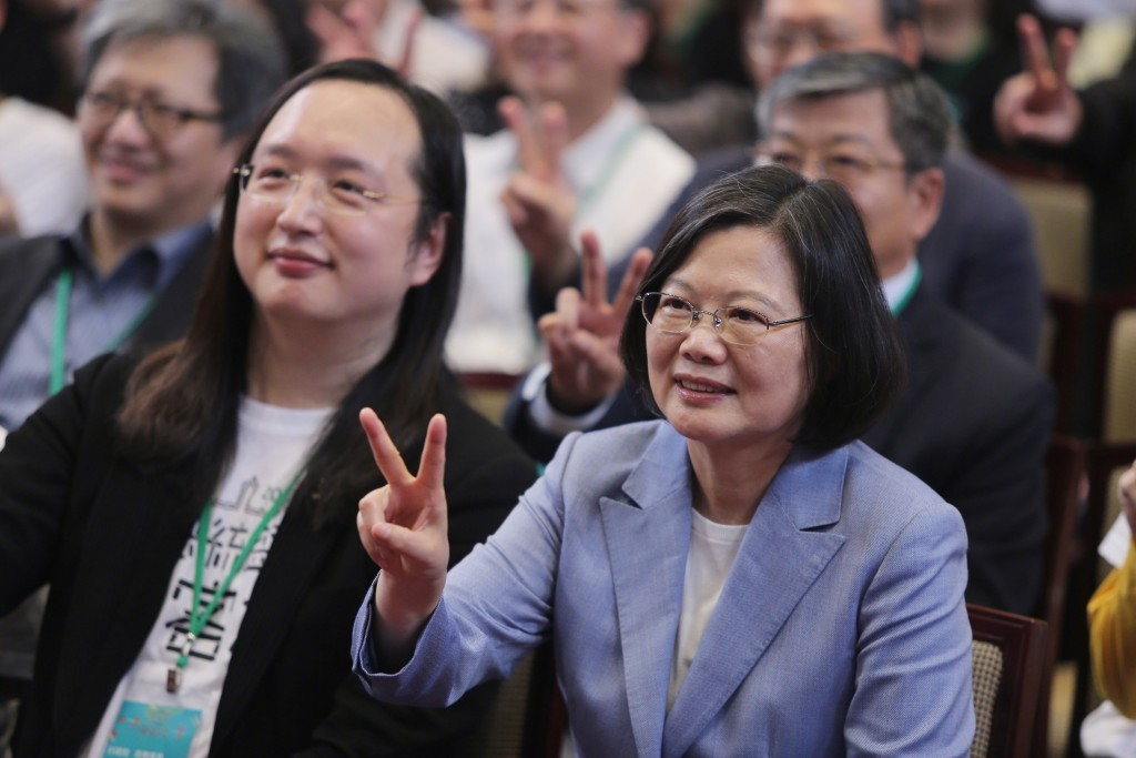 Minister without Portfolio Audrey Tang (left) with President Tsai Ing-wen.