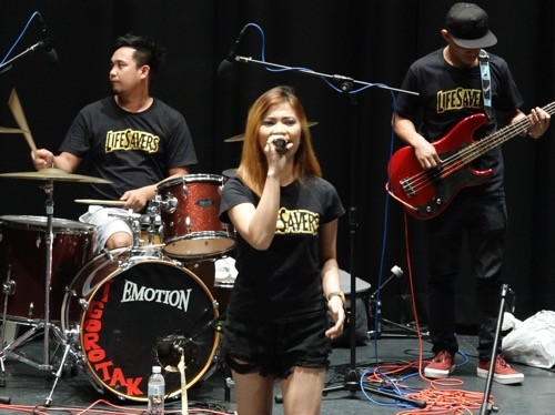 Filipino organizes concert to raise money for son fighting cancer