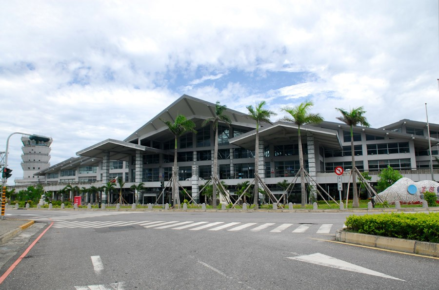 Hualien Airport (photo by SElefant).