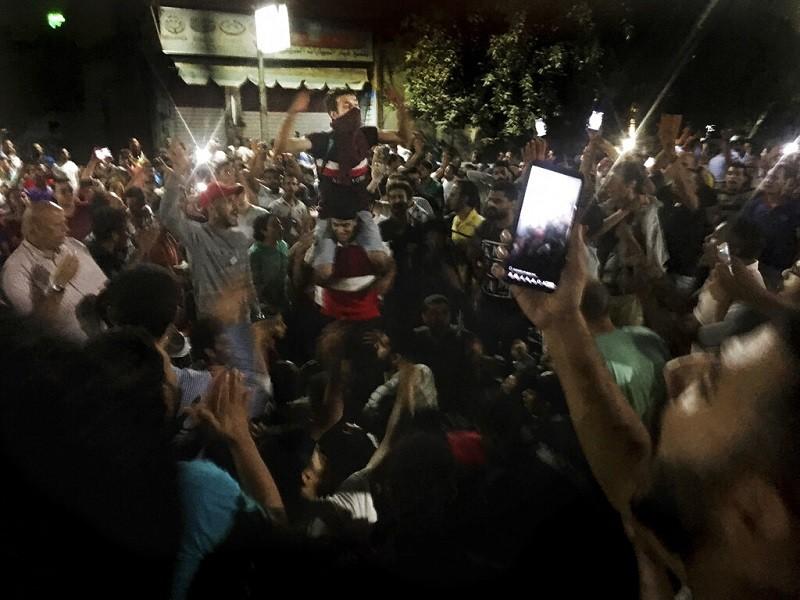 埃及示威者要求總統塞西下台 (美聯社)