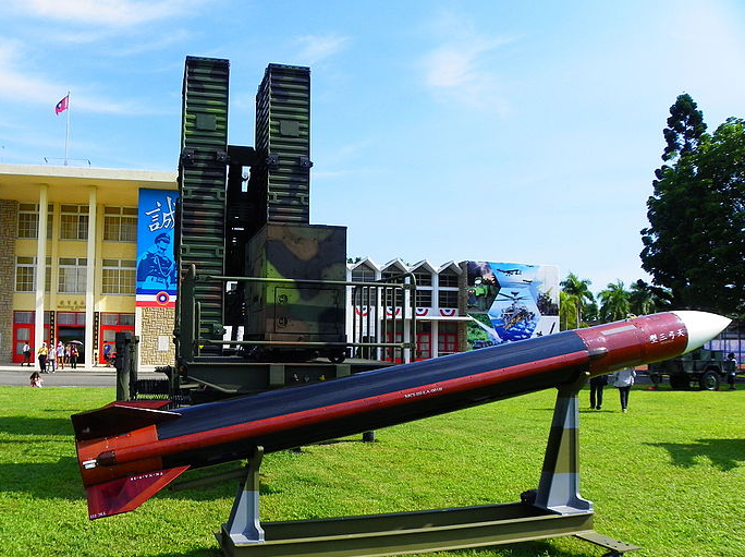 Tien-kung III Missile with land-based launch platform
