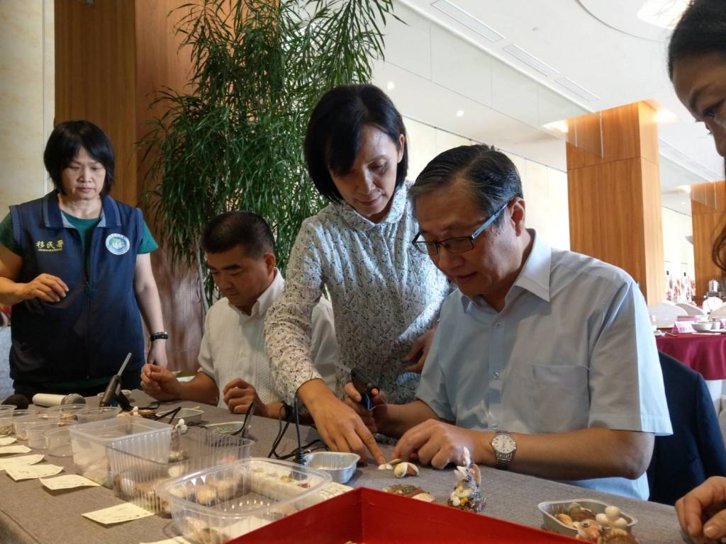 移民署副署長鐘景琨參加澎湖新住民家庭教育多元文化體驗活動(圖/ 移民署)