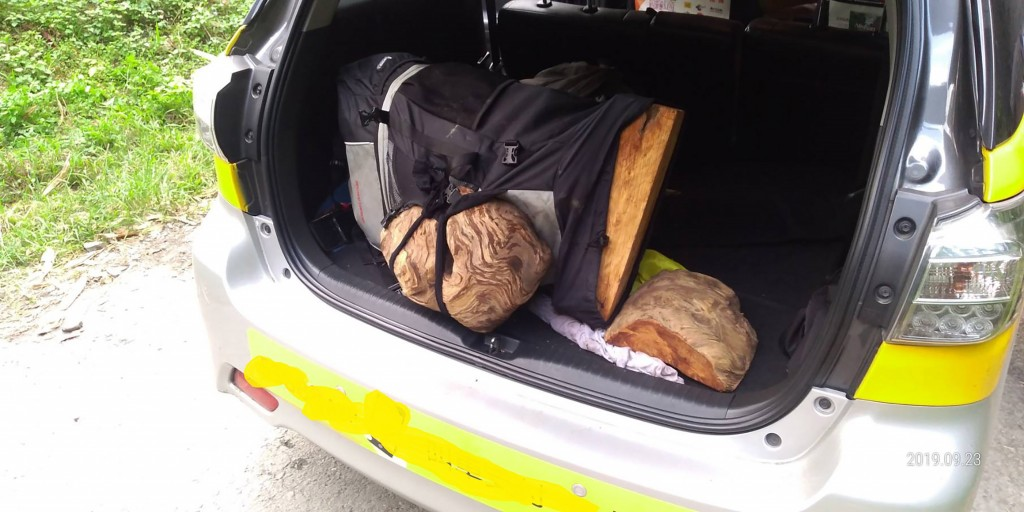 Police found stolen wood in the trunk of a cab in Nantou County.