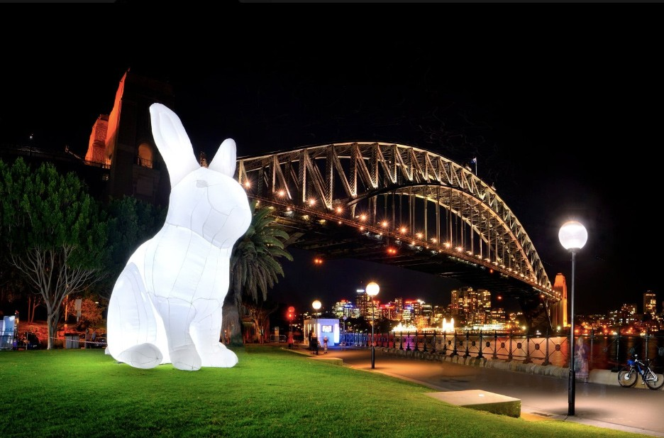 """""""Intrude"""" is a 7-meter-tall inflatable white rabbit and part of Nuit Blanche Taipei (Nuit Blanche Taipei photo)"""