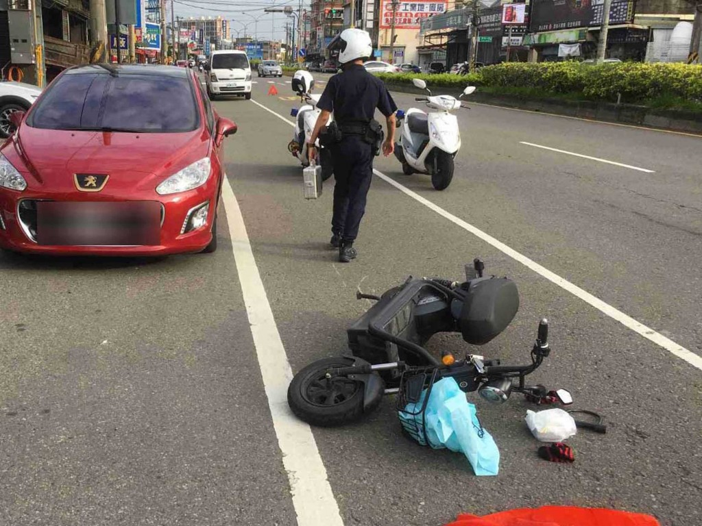 New e-bike helmet law, fine for failing to signal to hit streets in Taiwan Oct. 1