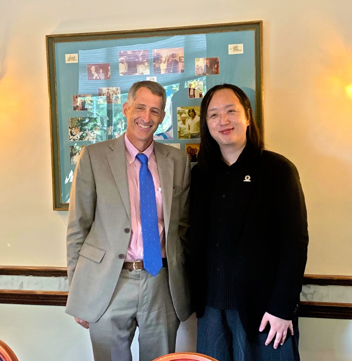 Minister without Portfolio Audrey Tang (right) with U.S. Deputy Assistant Secretary of State Jonathan Fritz (screenshot of Tang's Facebook page).