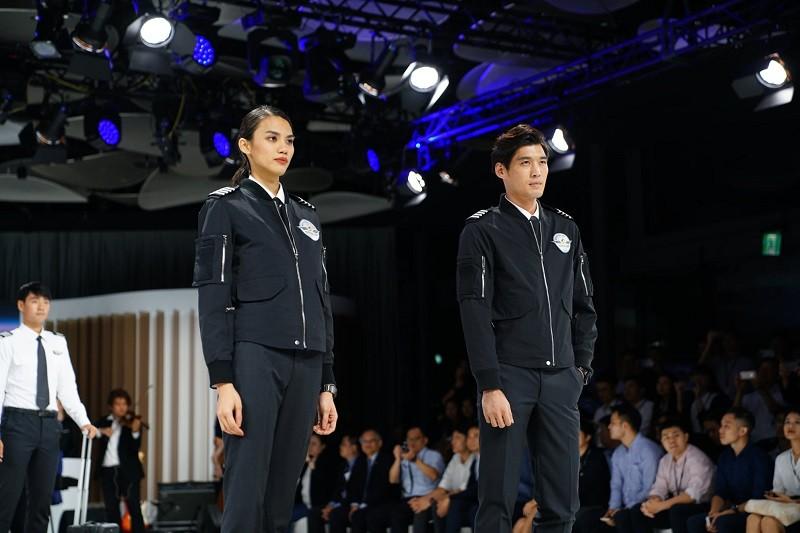 帥氣的機長飛行夾克 (圖/官方臉書)