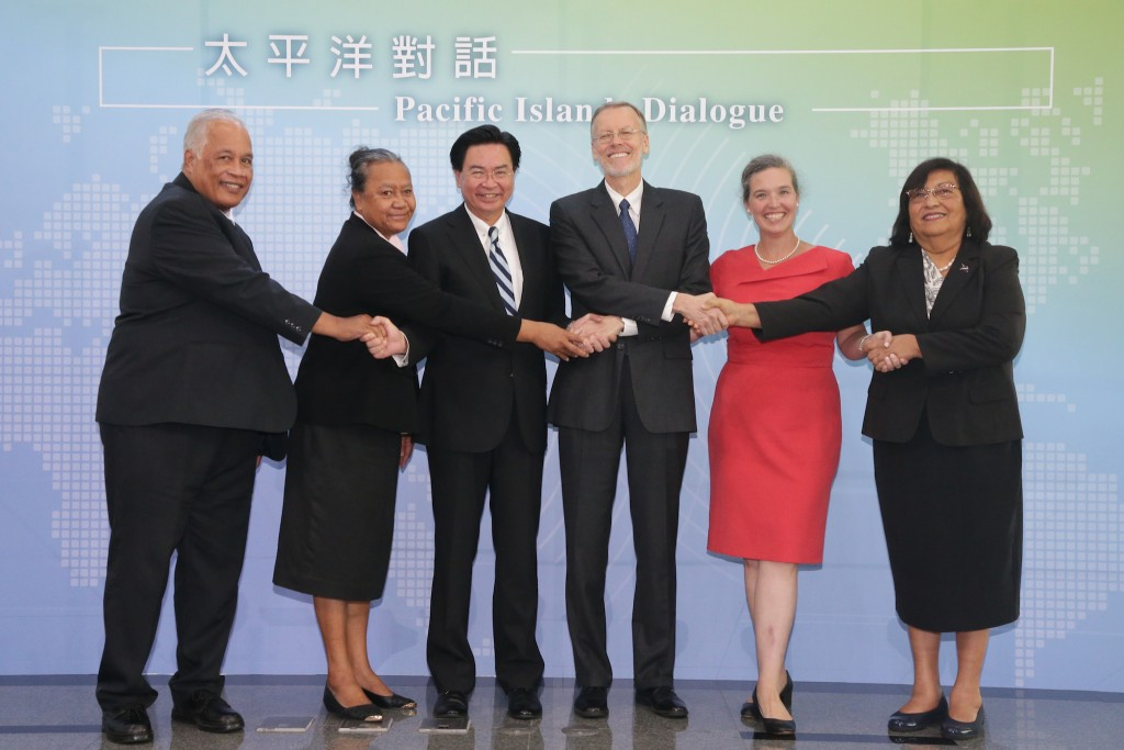 Wu (center-left), Christensen (center-right), Oudkirk (second from right). (MOFA photo)