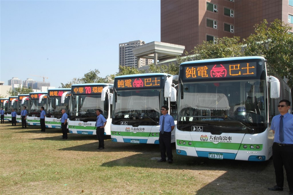Electric buses in Tainan.