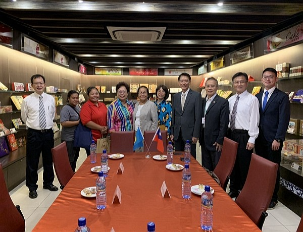 Delegation from Palau visits I-Mei factory (photo: Taiwan News)