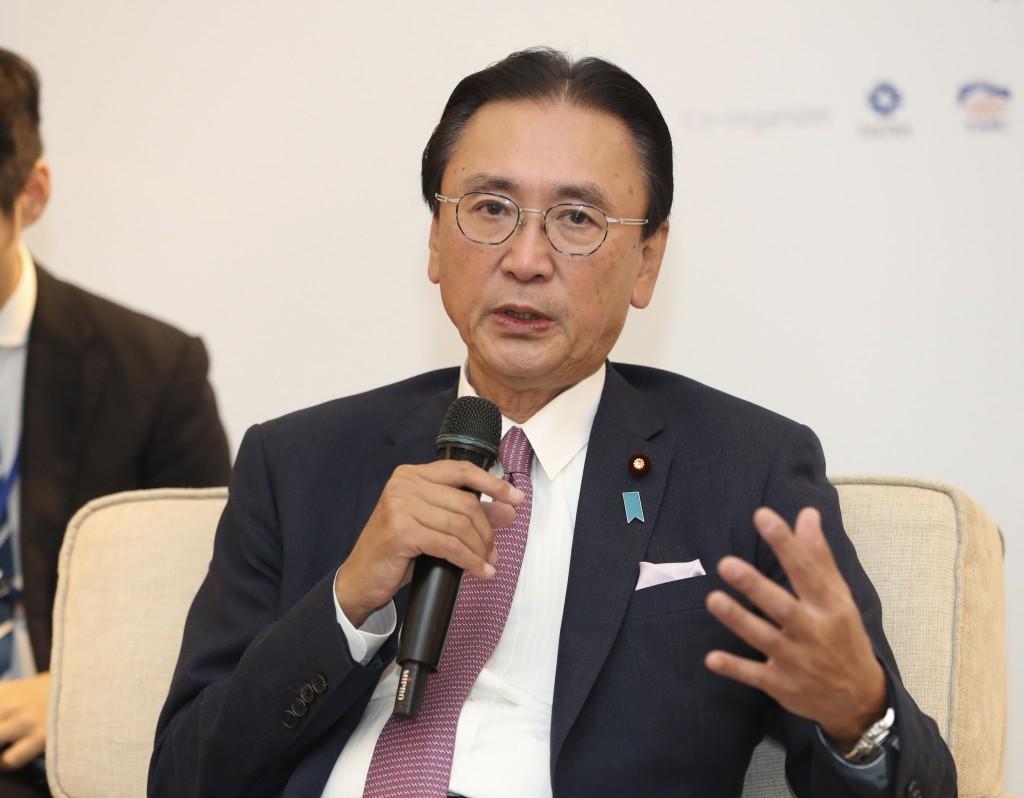 Japanese Diet member Keiji Furuya speaking in Taipei Wednesday October 9.