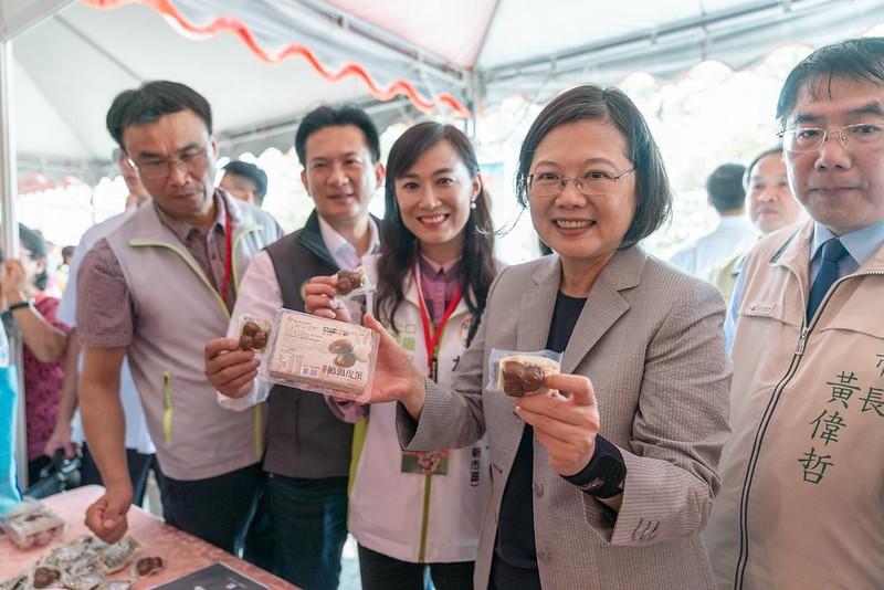 總統蔡英文12日赴台南主持「2019畜產嘉年華」(照片來源:中央社提供)