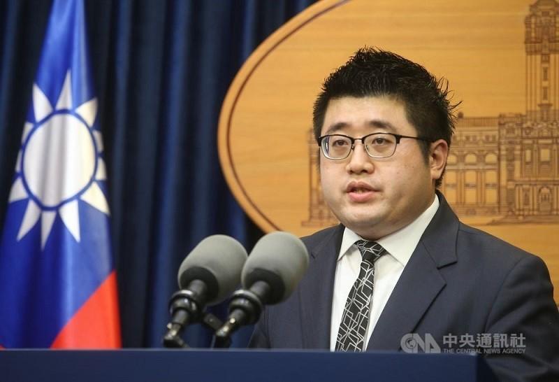 林鶴明原任總統府參議兼發言人 (中央社檔案照片)