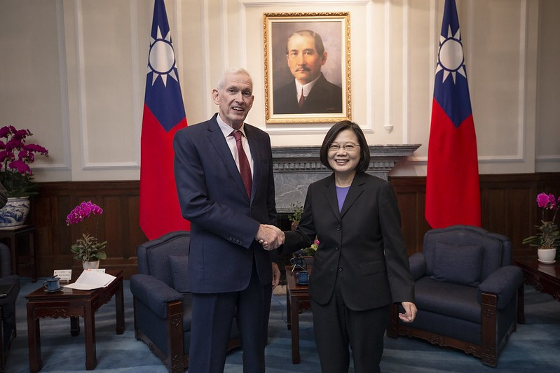 AIT Chairman James Moriarty and President Tsai Ing-wen (Source: Presidential Office)