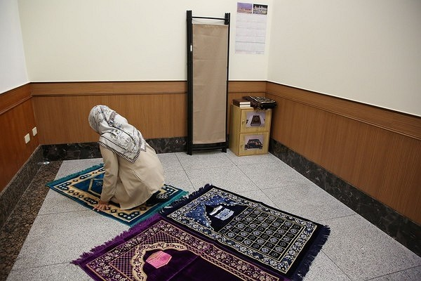 Muslim prayer room in Chiang-Kai Shek Memorial Hall.
