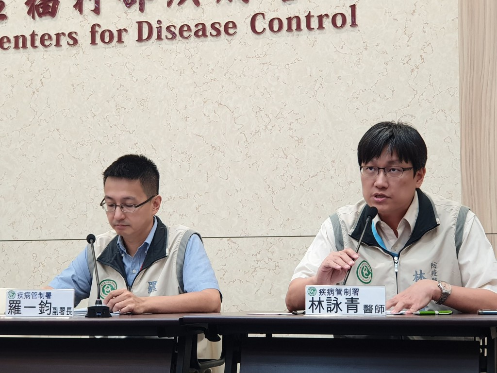 疾病管制署22日公布,南部1歲男童感染腸病毒71型,發病3天就因心肺衰竭而死亡,為今年首例腸病毒死亡個案。