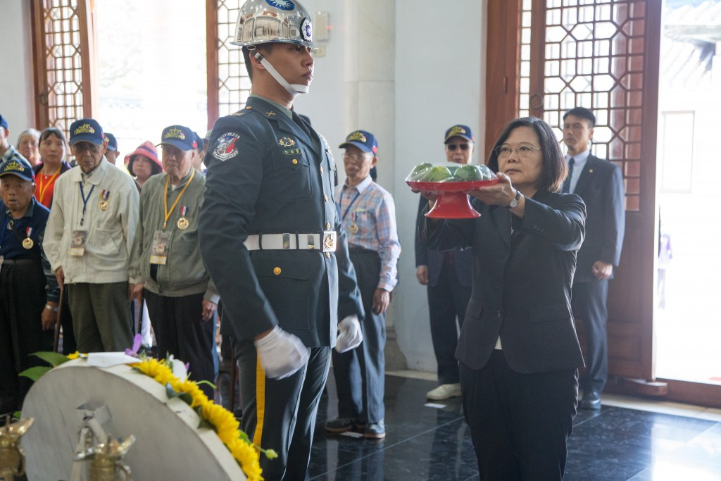 President Tsai visits Kinmen on Oct. 23. (Source: Military News Agency)