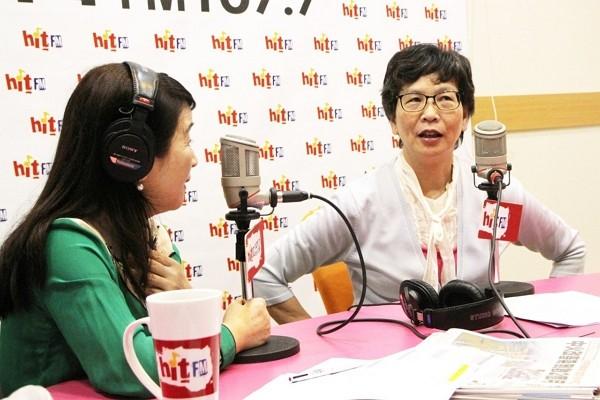 Tsai Pi-ju on the air (Hit Fm photo)