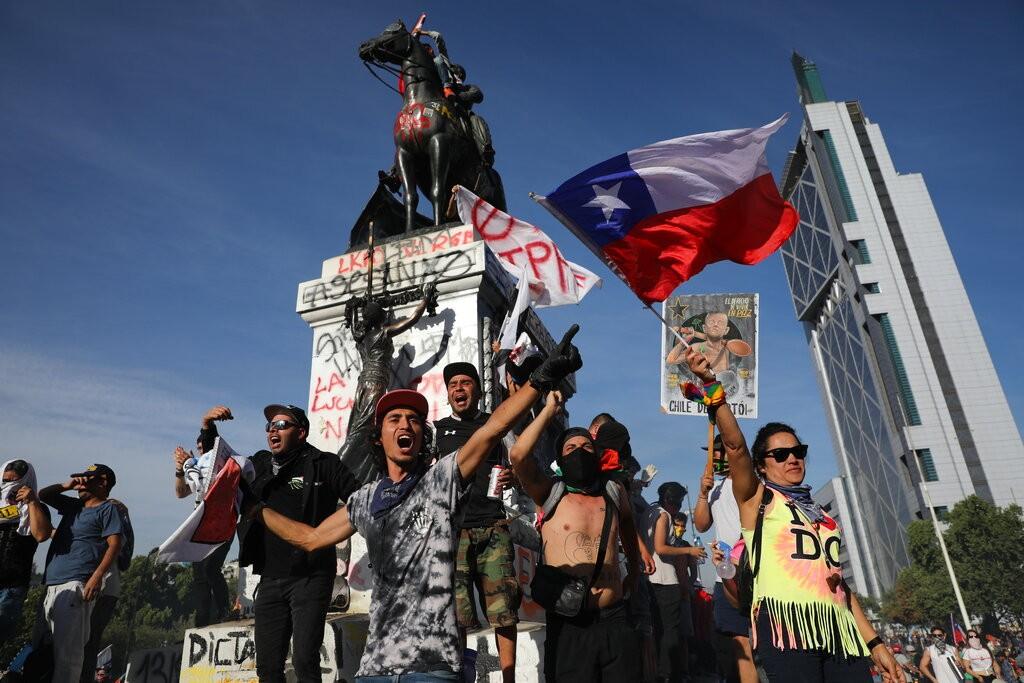 反政府示威抗議再升級 智利取消舉辦氣候峰會和APEC