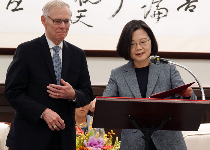 Richard Bush (left) and Tsai Ing-wen. (CNA photo)