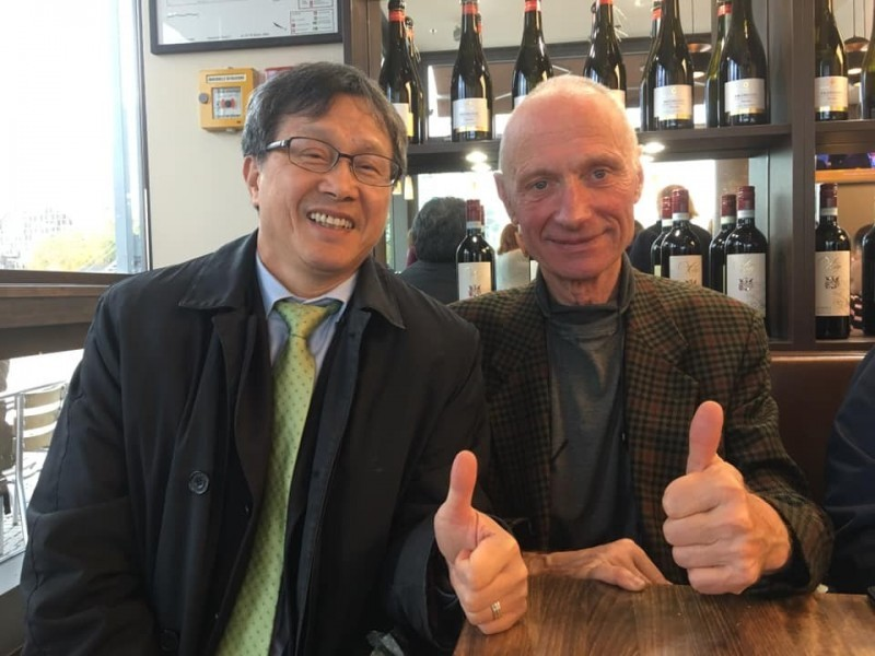 Taiwan's representative to Germany Shieh Jhy-wey and Michael Kreuzberg. (Shieh Jhy-wey Facebook photo)