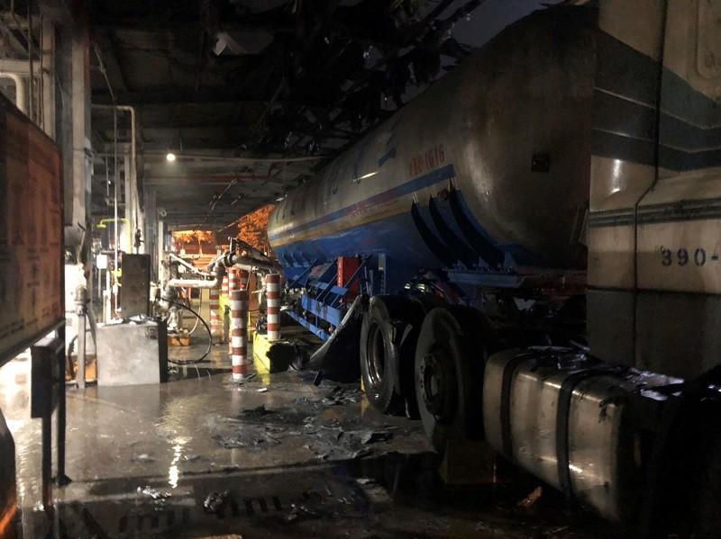 台塑公司林園廠一輛氯乙烯槽車7日因安全閥洩漏爆炸,司機迅速逃離脫困,無人員傷亡。中央社