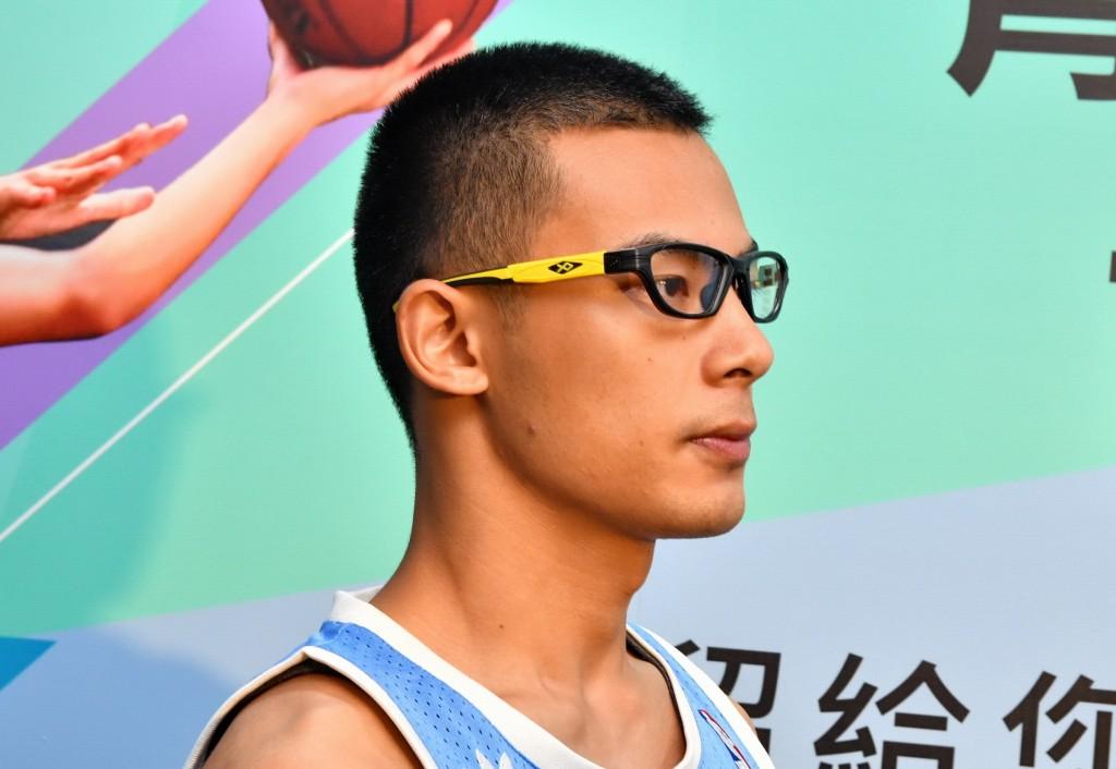 台灣近視率近9成 眼科醫師:運動配戴錯誤眼鏡 恐有失明隱憂