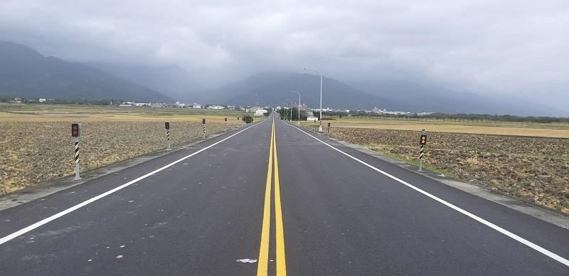 Stretch of Taitung County Route 197 after undergrounding. (Chihshang Township Office photo)