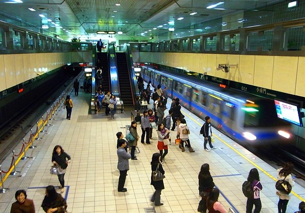 Taipei MRT unlimited monthly pass could become history. (Wikimedia photo)