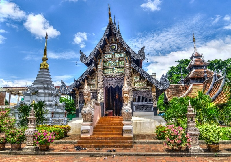 Temple in Thailand (Pixabay photo by Mariamichelle)
