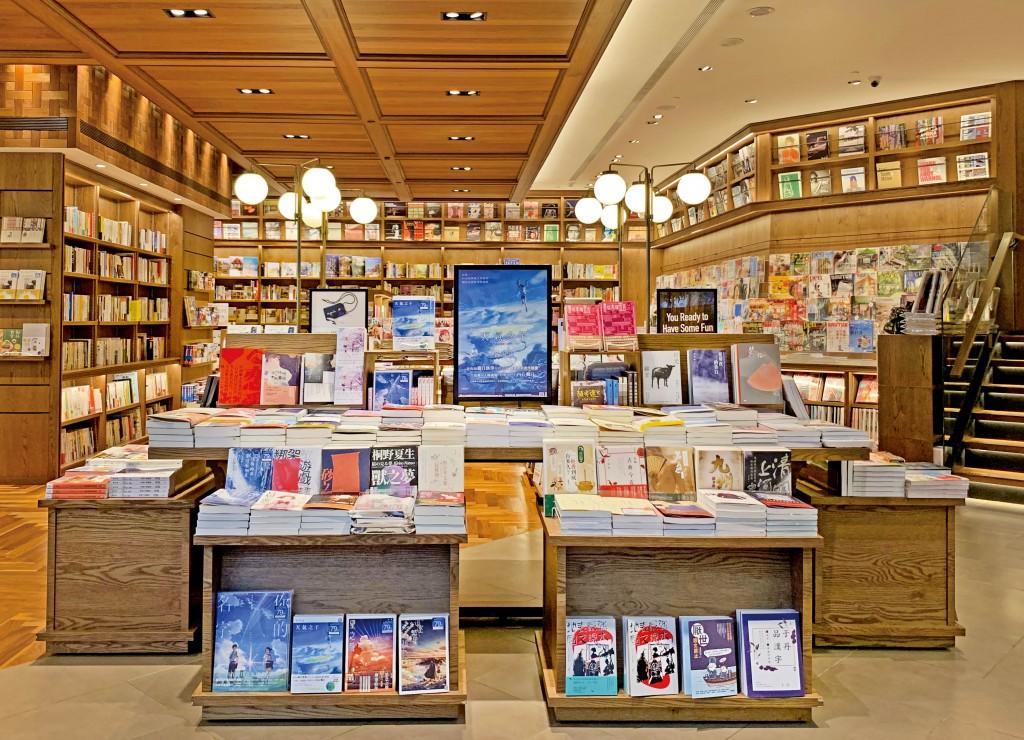 店內以原木系設計空間,展現出簡樸淡雅的風格。