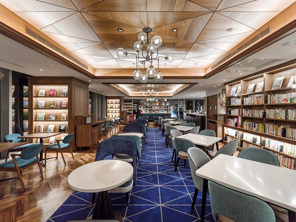 與WIRED TOKYO餐廳結合,吸引消費者前來造訪。