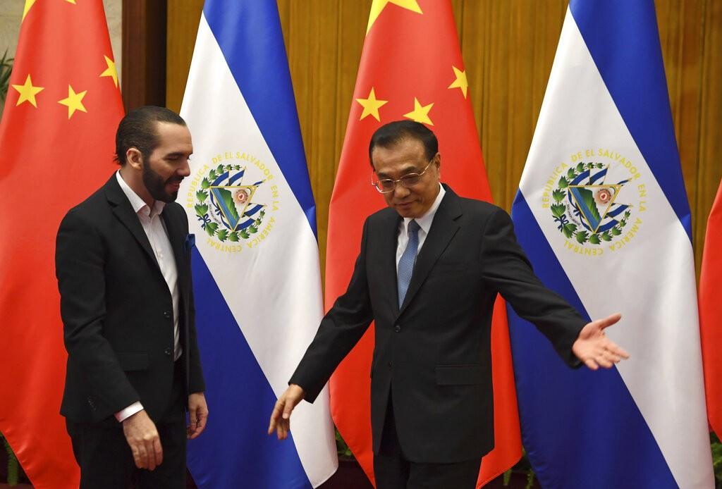 El Salvador President Nayib Bukele, with Chinese Prime Minister Li Keqiang