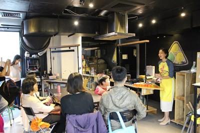 協廣場3樓溝通互動平臺舉辦異國文化廚房活動(翻攝自臺中市政府網站)
