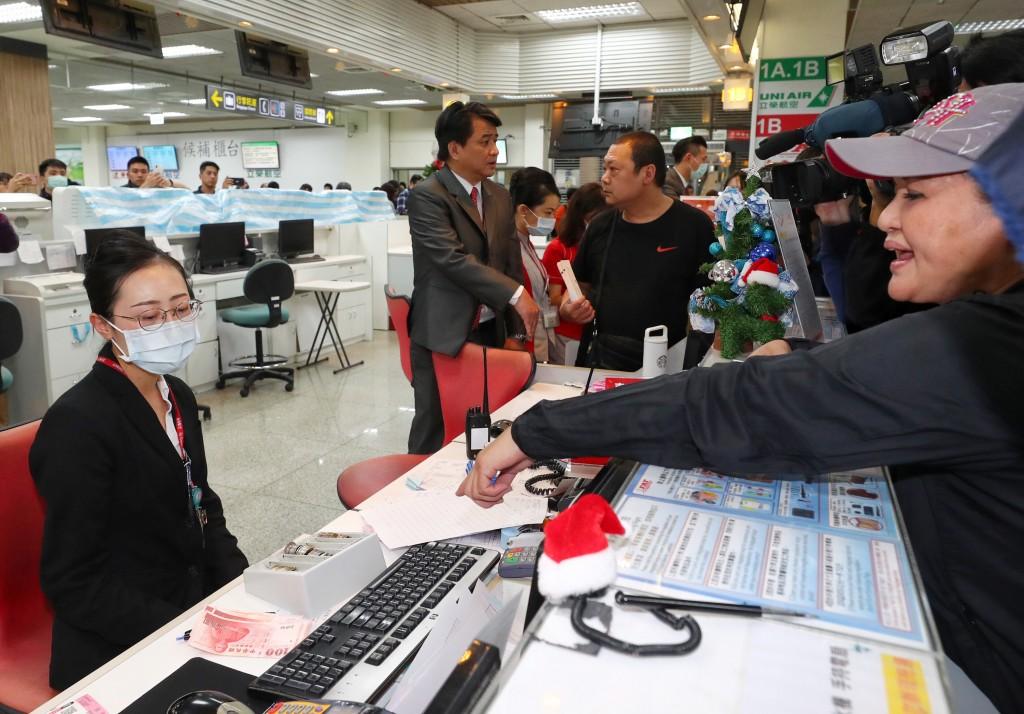 【最新】台灣遠東航空董事長張綱維遭限制出境、出海 民航局16日審酌復飛陳述書