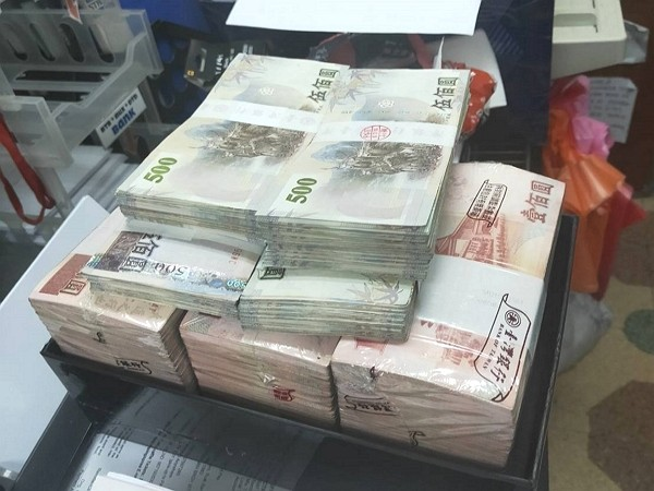 Foreign workers arrested for illegal money transfers in Taoyuan.