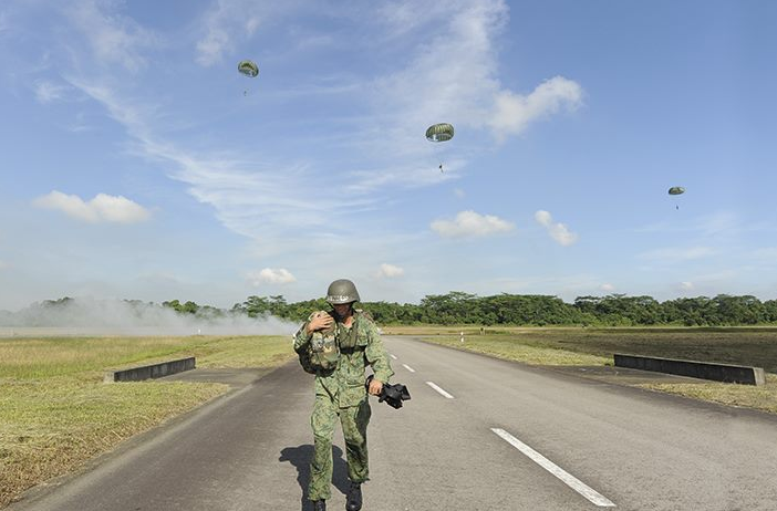 Parachute drill in Singapore. (screenshot from Singapore Mindef Facebook page)