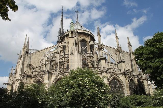 圖為巴黎聖母院資料照/Pixabay,由pixajopari提供。