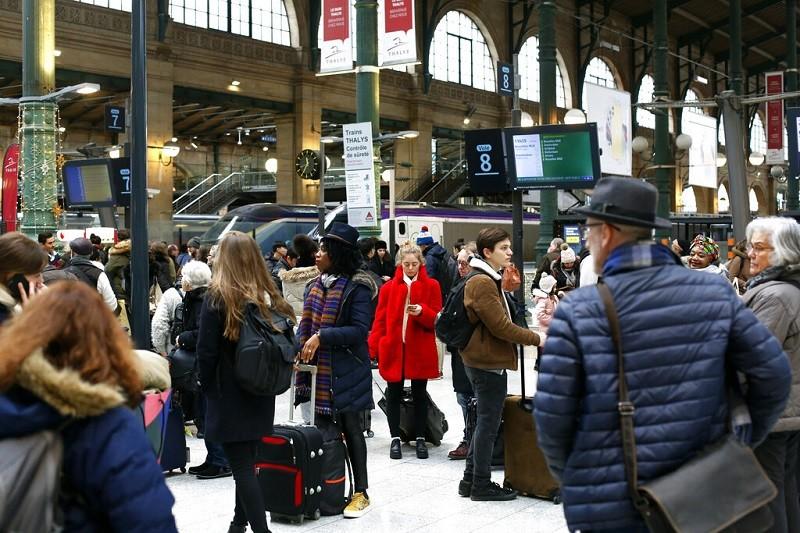 圖為歐洲最繁忙火車站:巴黎北站(Paris Gare du Nord)旅客候車情形。美聯社