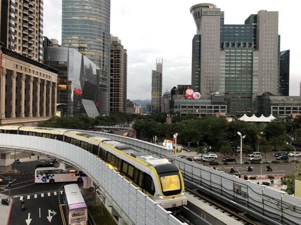 The MRT Circular Line passes by Banqiao Station (photo courtesy of TRTC).