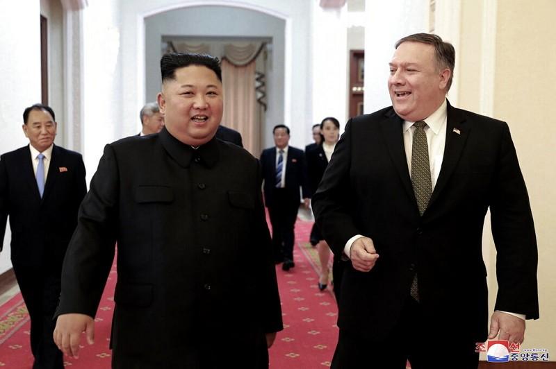 2018年10月龐皮歐(右)與金正恩會晤(美聯社)