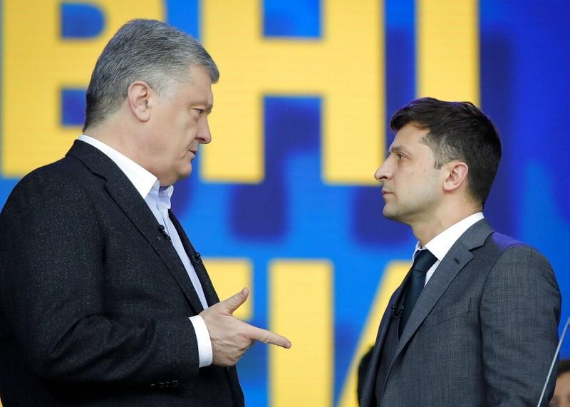 澤倫斯基(右)與現任總統波洛申科(圖/美聯社)