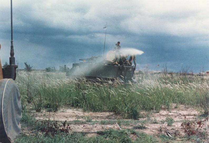 美軍越戰期間大量施灑橘劑(圖/wikimedia)
