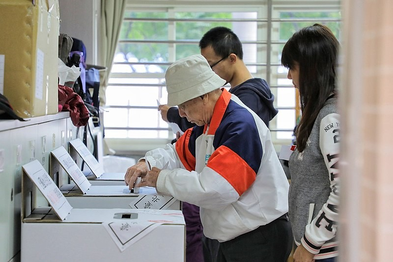 Man voting in the 2019 local elections.
