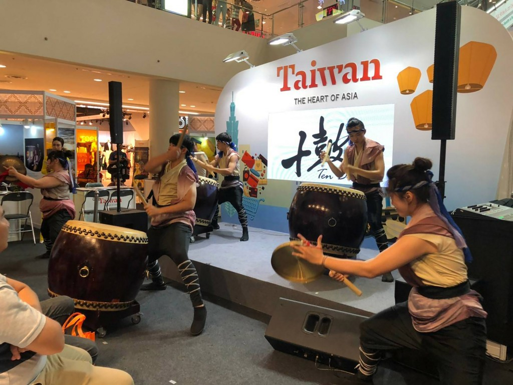 A drum group performs at the Taiwan travel fair in Ho Chi Minh City (photo courtesy of Taiwan office in Vietnam)
