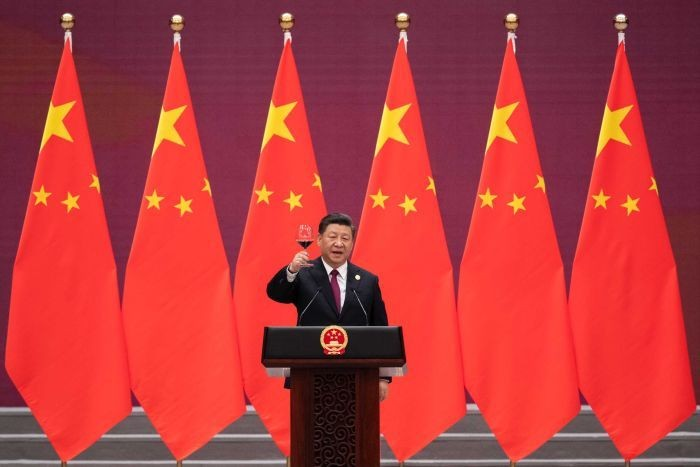 Xi Jinping makes a toast at Great Hall of the People