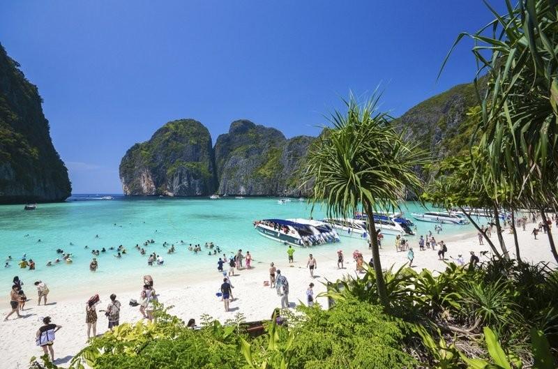 泰國瑪雅灣(Maya Bay)。(照片由美聯社提供)